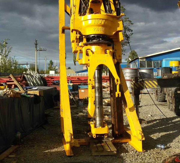 Service support of equipment during the drilling